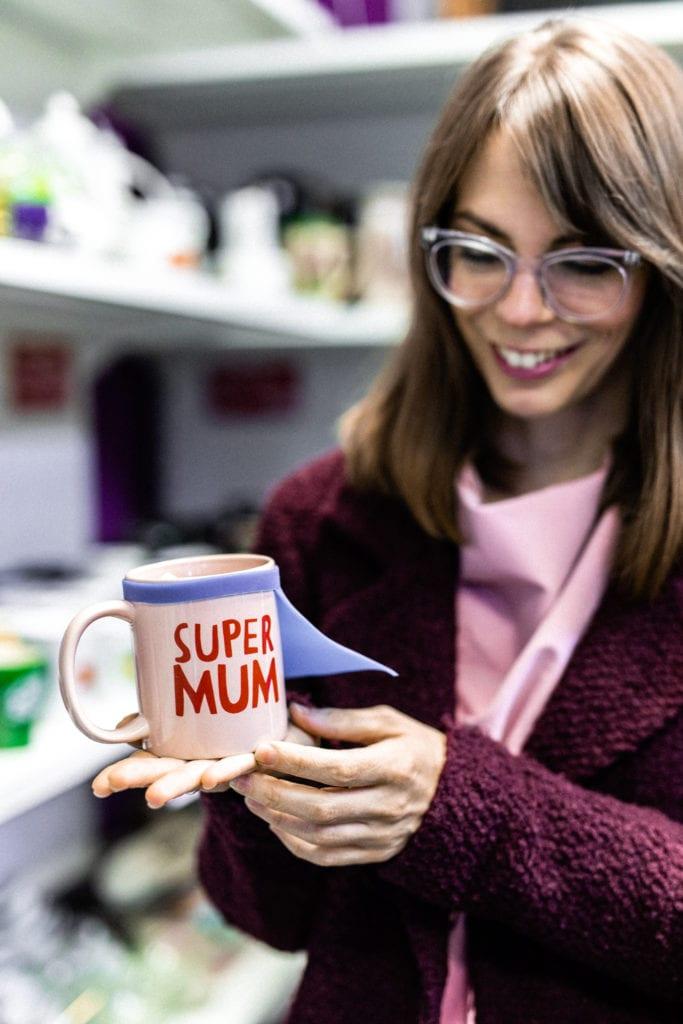 Super Mum feliratú bögre a Cseriti adományboltban